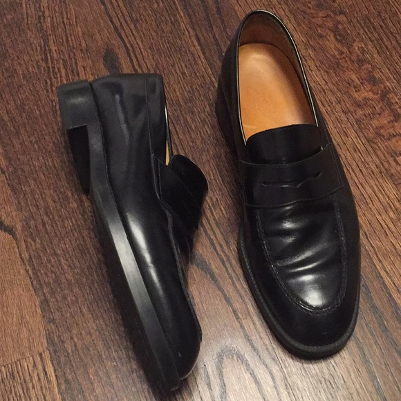 2858eb4c545 TOD s Men s leather black shoes loafers 8.5. M 5bc5a24603087ccb1405ee59